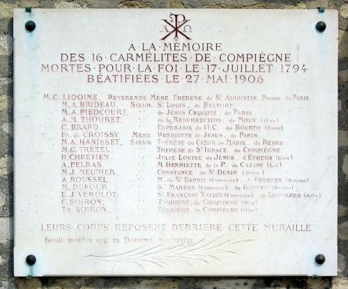 Carmelites de Compiègne | Cimetière de Picpus, Paris - France | Wikimedia