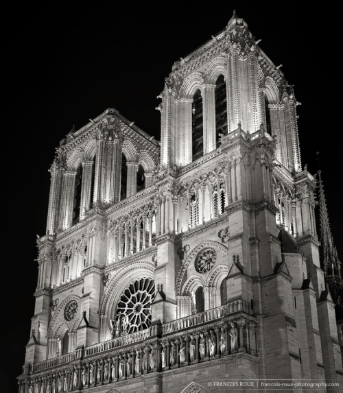Black and White photo of Notre Dame de Paris Cathedral at night